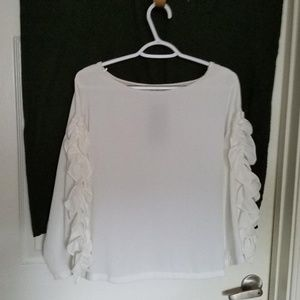 ruffle sleeve blouse. New with tag